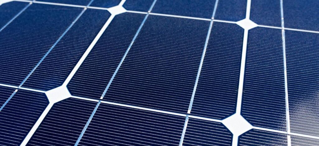 Thin wires painted onto a monocrystalline solar panel