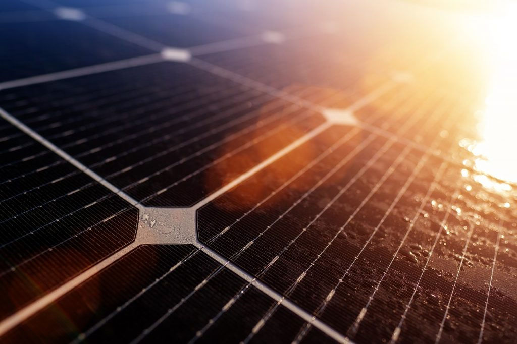 how to select a solar charge controllers